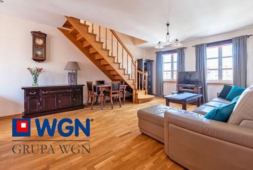 dwupoziomowe wnętrze ekskluzywnego apartamentu do sprzedaży Elbląg