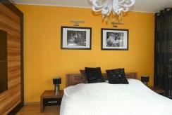 prywatna sypialnia w luksusowym apartamencie na sprzedaż Ostrów Wielkopolski