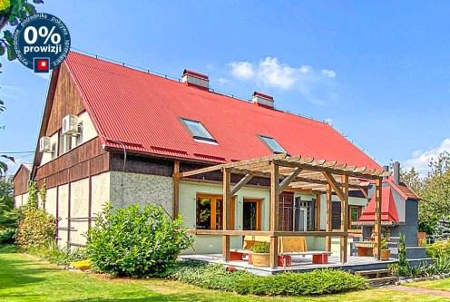 widok od strony ogrodu na ekskluzywną willę do sprzedaży Częstochowa