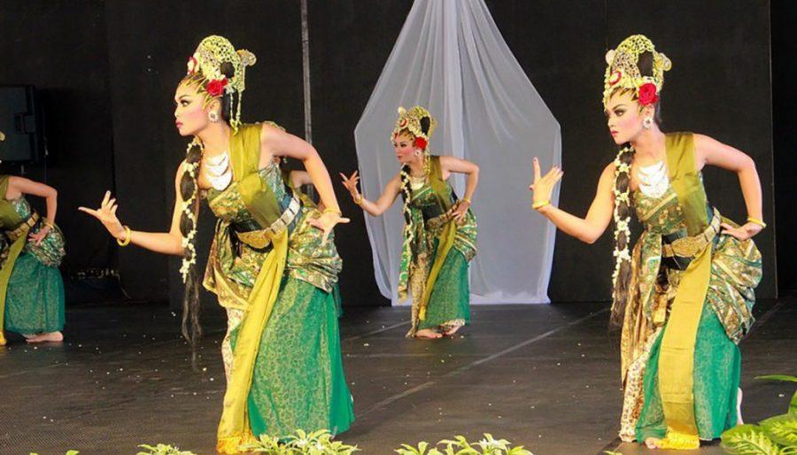 10 Kesenian Tari Tradisional Indonesia Garuda Citizen