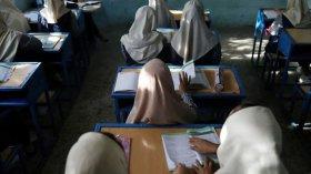 শিগগিরই স্কুলে যেতে পারবে আফগান মেয়েরা: তালেবান