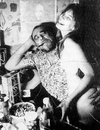 Mujeres – Charles Bukowski