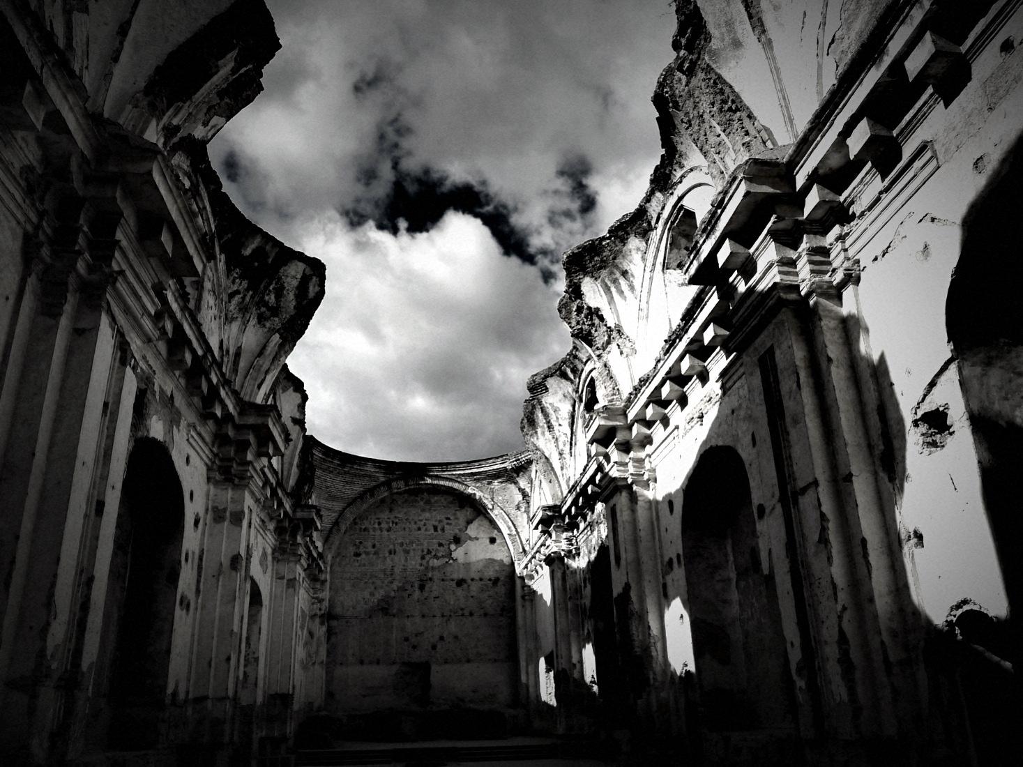 Fechas inciertas – Luis Eduardo Rivera