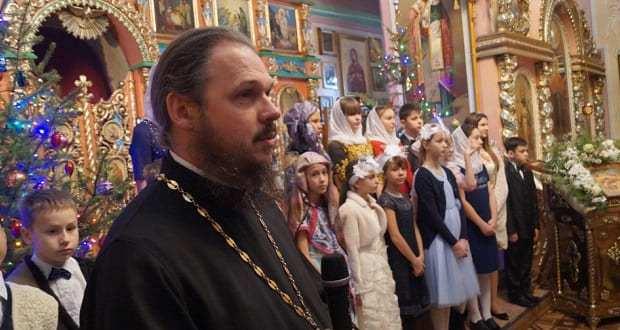 Дети воскресной школы с. Становое поздравили прихожан со светлым праздником Рождества Христова