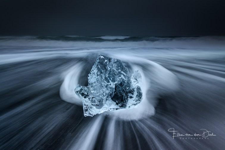 stuk ijs op het strand van Diamond Beach