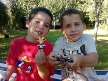 Joel y su hermano Iván