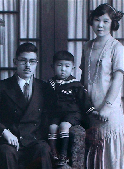 1927-ich-w-papa-and-mama-version-2-1.jpg