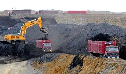 Coal_Projects_Coal_Trucks.jpg