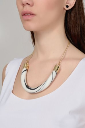 WHITE/BLACK LARGE SEMI-CIRCLE NECKLACE €25.00 από €79.00