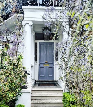 colorful-front-doors-photography-london-bella-foxwell-7-5c36f9e28208d__700