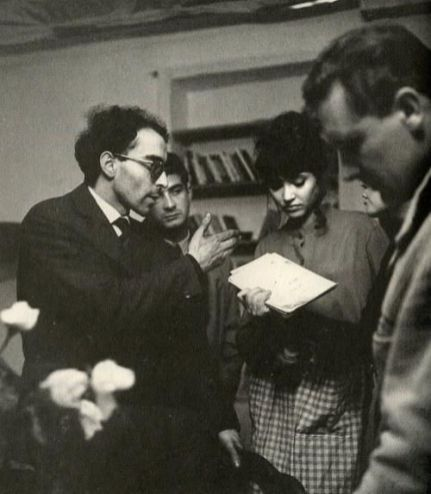 jean-luc-godard-directs-anna-karina-and-jean-claude-brialy-on-the-set-of-e2809cune-femme-est-une-femmee2809d-1961