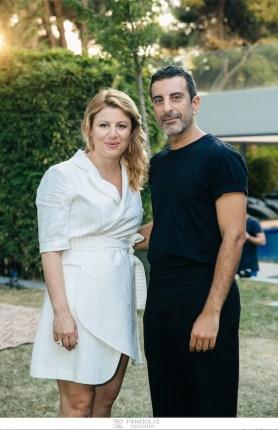 Η σχεδιάστρια Ιωάννα Κουρμπέλα με το σχεδιαστή Στέλιο Κουδουνάρη