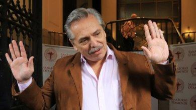 Photo of Alberto Fernández de campaña