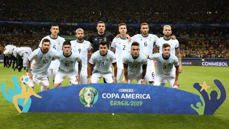 «En esta Copa América se cansaron de cobrar boludeces», dijo Messi