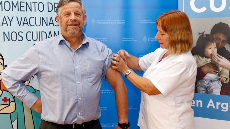 «Tenemos un secretario de la Salud que está absolutamente dibujado», dijo Gollan