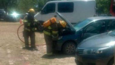Photo of Insólito: llevaba brasas para el asado y quemó el auto