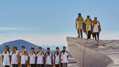 Photo of Negocio y sufrimiento de niños: el detrás de escena del Himno Nacional elogiado por Alberto Fernández