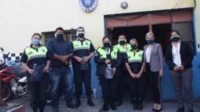 Photo of Entregaron 3.000 barbijos en  comisarías elaborados por organizaciones solidarias