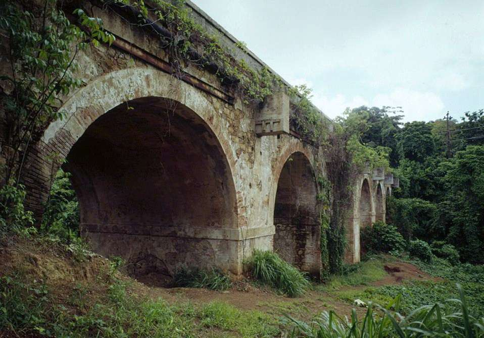 Puente_de_los_Frailes,_Spanning_Frailes_Creek,_PR_Route_873,_KM_18.85,_Tortugo_(San_Juan_County,_Puerto_Rico)