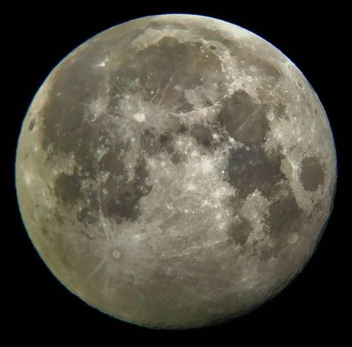 SAPR - Foto de la Luna llena del 12 de marzo de 2017 tomada por Josúe Rodríguez Colón