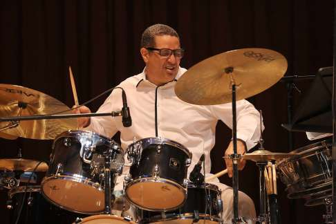 Fidel Morales - baterista jazzista