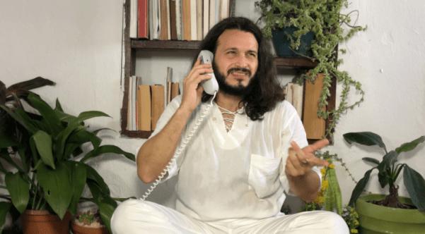 Dios Regresa. Jorge Blanco interpreta a Dios.
