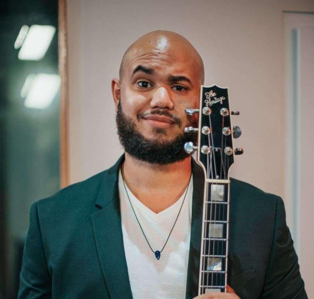 El guitarrista puertorriqueño