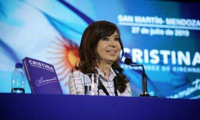 Cristina presentó Sinceramente en Mendoza y explicó qué son pindonga y cuchuflito