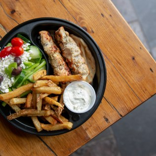 ela-greek-togo-souvlaki-dinner-chicken-fries