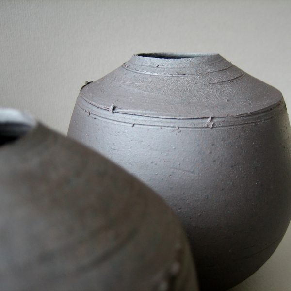 Elaine Bolt 'Dark Metal' vessel detail