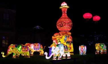 elephants with vases 2