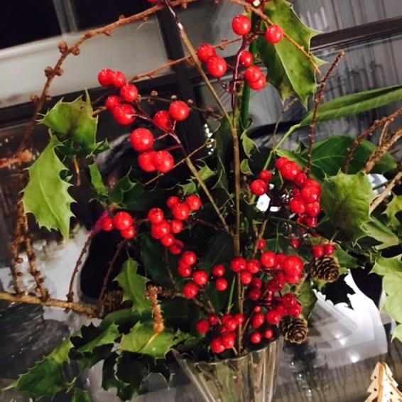 christmas-holly-festive-flair-elainesrovesntroves