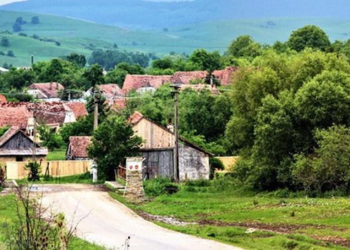 Un sat din România a fost inclus între cele mai frumoase din lume - GALERIE FOTO 10