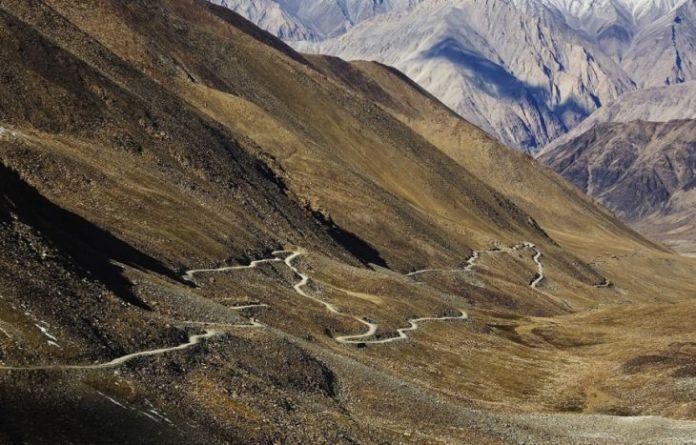 15 dintre cele mai periculoase drumuri din lume 12