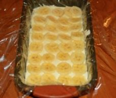 prajitura-din-piscoturi-cu-crema-de-iaurt-si-fructe-3-260x220