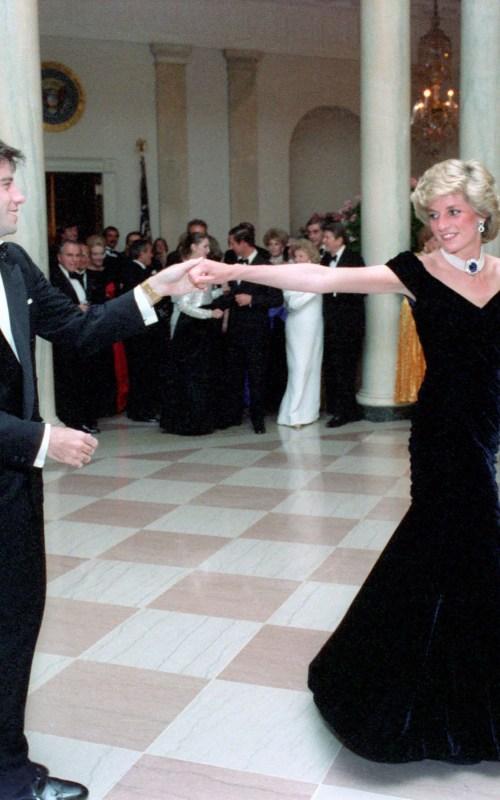 12 dintre cele mai scumpe rochii din toate timpurile(Galerie FOTO) 2