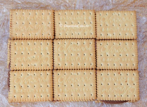 Prajitura-cu-biscuiti-si-banane-5