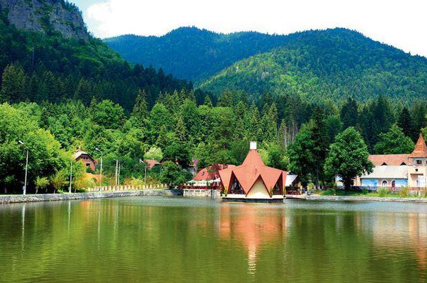 Tușnad-Cel mai mic oraș din România este atracție mondială 1