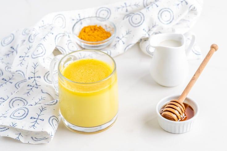 Ceaiul de turmeric-Rețetă propusă de Dr. Josh Axe pentru reducerea inflamației