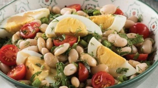"""Salată de fasole albă:Din bucătăria turcească o rețetă de """"Piyaz"""" 2"""