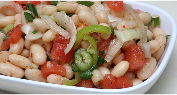 """Salată de fasole albă:Din bucătăria turcească o rețetă de """"Piyaz"""" 1"""