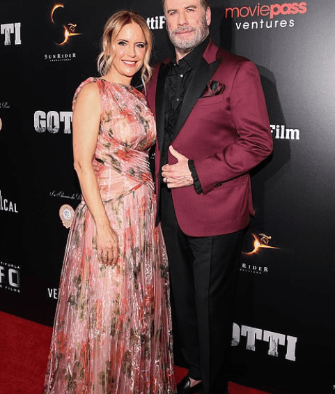John Travolta a anunțat că soția lui, Kelly Preston, 57 de ani, a murit din cauza cancerului de sân 4