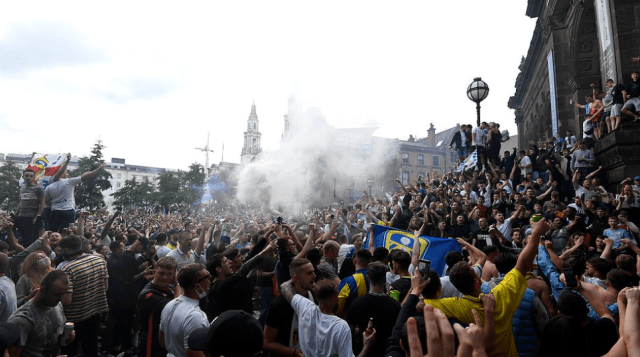 Promoting coronavirus infection? Leeds United fans celebrate elevation to the Premier League for the first time in 16 years 6