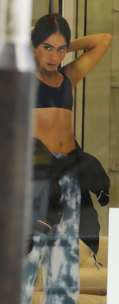 Joey Essex walks with new girlfriend Brenda Santos before packing on the PDA inside beauty clinic 5
