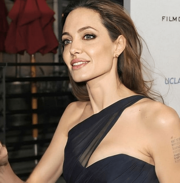 Angelina Jolie's judge-jockeying in custody case an attempt to stall 7