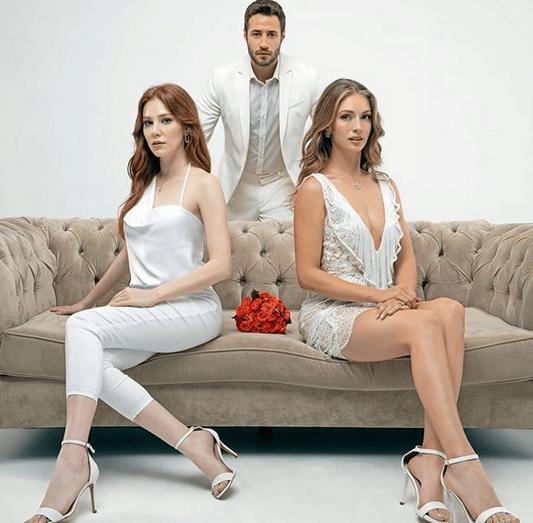 İyi Günde Kötü Günde (Zile bune, zile rele)-un nou serial turcesc lansat în 2020.În rolurile principale, Elçin Sangu, Yasemin Allen și Ozan Dolunay 8