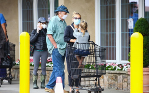 Scarlett Johansson, 35, takes daughter Rose Dorothy to grocery shopping