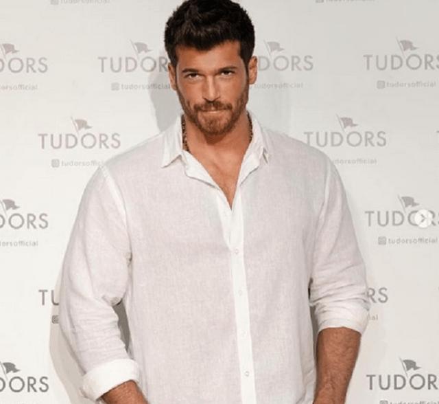 Can Yaman în clipurile publicitare pentru brandul internațional de cămăși Tudors. Secvențe Video 6
