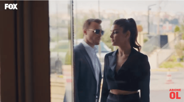 Episodul 10 din Sen Çal Kapımı (Bate la ușa mea) cu Hande Erçel și Kerem Bürsin. Secvențe Video 5