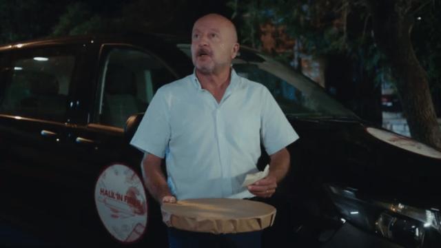 İyi Günde Kötü Günde (Zile bune, zile rele)-Episodul 2 cu Elçin Sangu,Yasemin Allen și Ozan Dolunay. Secvențe Video 19